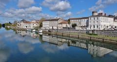 Jarnac, Charente (thierry llansades) Tags: jarnac charente charentes aunis poitou cognac charentemaritime charentesmaritime riviere fleuve hennessy vin vins
