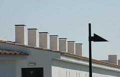 Cadaqués  (Costa Brava) (visol) Tags: xemeneies xememeie xemeneie tximinia chimneys cheminées chimeneas camino chamine catalunya catalogne catalonia cataluña chimney camini costabrava tejados teulades tejas teulas tejado barbacana