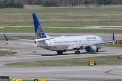 N79402 - 2001 build Boeing B737-924, taxiing for departure at Houston (egcc) Tags: 0402 30119 857 b737 b737900 b737924 b737ng boeing boeing737 boeing737900 bush houston iah intercontinental kiah lightroom n79402 staralliance texas ua ual united unitedairlines