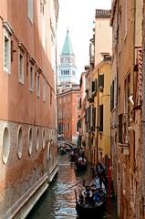 Rio de San Salvador (Joe Shlabotnik) Tags: venice italy canal 2019 april2019 venezia italia gondolas afsdxvrzoomnikkor18105mmf3556ged