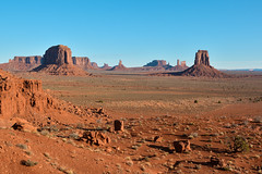 Sunrise at Monument Valley (winnieyklai) Tags: monument valley butte navajo arizona