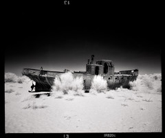 Splashless (tsiklonaut) Tags: pentax 67 6x7 film analog analogue analogica analoog black white negro y blanco mustvalge bw mv mono monochrome infra infrared ir infrapuna efke ir820 usbekistan uzbekistan aral sea dry dryed out rotten rusting boat ship fishing abandoned environment environmental disaster soviet travel discove experience drum scan drumscan scanner pmt photomultiplier tube muynak moynaq muinak karakalpakstan aarali meri kuiv kuival laev water sky sand landscape beach