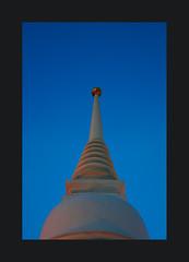 Spiritual twilight (Antoine - Bkk) Tags: stupa thailand twilight temple bangkok light architecture