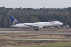 N671UA - 1999 build Boeing B767-322ER, arriving on Runway 08L at Houston (egcc) Tags: 6671 30026 766 b763 b767 b767300 b767322er boeing bush houston iah intercontinental kiah lightroom n671ua staralliance texas ua ual united unitedairlines