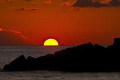 Tramonto siciliano 2 - Sicilian sunset 2 (Eugenio GV Costa) Tags: approvato tramonto gela sicilia acqua mare scogli sunset cielo sky sicily sea water rocks