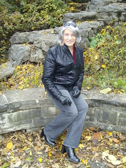 """Perhaps It's Simply The """"Ordinariness,"""" But There Is Something About This Pic (Taken In 2013) I Really Like (Laurette Victoria) Tags: boots jeans jacket sunglasses gray laurette woman gloves jacobuspark milwaukee"""