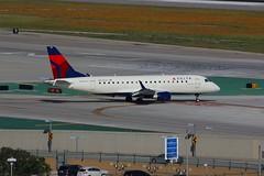 ERJ-175 N613CZ Los Angeles 28.03.19 (jonf45 - 5 million views -Thank you) Tags: airliner civil aircraft jet plane flight aviation lax los angeles international airport klax delta connection embraer erj175 n613cz