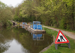 2019_04_0315 (petermit2) Tags: roadworks chesterfieldcanal cuckoodyke cuckooway canalboat canal boat thorpesalvin rotherham southyorkshire yorkshire