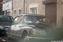 Spotting 2016 - Citroën DS (Deux-Chevrons.com) Tags: citroën ds citroënds car coche voiture auto automobile automotive spot spotted spotting croisée rue street paris france classiccar classic classique vintage oldtimer ancienne collection collector collectible
