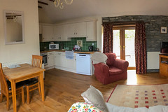 20190502 0163 Living Room Pengwernydd Cottages Near Pont-Rhyd-y-Groes Mid Wales (rodtuk) Tags: 3star cameramodel canon5div flipublic flickr furniture misc phototype rating rodt roderict roderickt wip iphone8