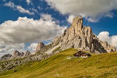 Giau Pass in the Dolomites, Italy. (pixval1) Tags: italia italy passo giau mountain montagne pass unesco patrimonio heritage site estate canon eos 6d 24105