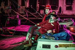 (soleada) Tags: soleada soleada21 mariagolomidova golomidovamaria venezia venice italy carnival carnevale red night men canal