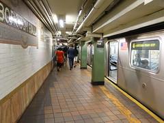201905102 New York City subway station 'Borough Hall' (taigatrommelchen) Tags: 20190520 usa ny newyork newyorkcity nyc brooklyn icon urban railway railroad mass transit subway station tunnel train mta r142a