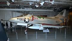 Douglas A4D-2 / A-4B Skyhawk 142833 in New York (J.Comstedt) Tags: aircraft aviation air aeroplane museum airplane flight johnny comstedt new york uss intrepid usa douglas a4d a4 skyhawk navy 142833