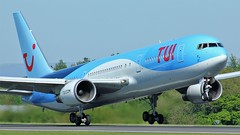 G-OBYG (AnDyMHoLdEn) Tags: thomson tui 767 egcc airport manchester manchesterairport 23l