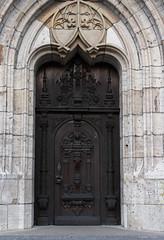 That door.. (LamiaDeTenebris) Tags: germany deutschland door tür brown braun דלת גרמניה ulm münster cathedral kathedrale church kirche כנסייה
