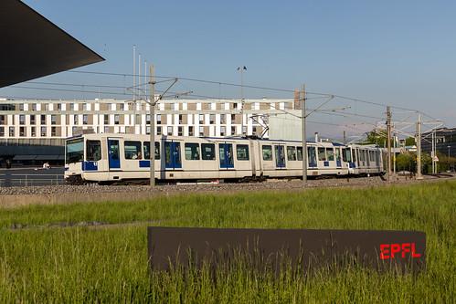 tl Be 558 212 sur la ligne m1 vers l'EPFL à Ecublens VD