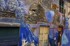 citty grafitty art in funchal (Marco Braun) Tags: walart graffiti stencil streetart black white weiss blanche noire schwarz schablone 2018 colourful colored couleures farbig bunt madeira portugal decay zerfall haus maison house amsterdam holandniederlande