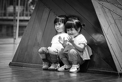 DSC_3883 (靴子) Tags: 黑白 單色 街頭 街拍 兒童 bw bnw street streetphoto kids d850 nikon nikkor