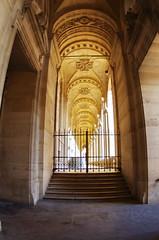 514 Paris en Mars 2019 - Une galerie autour de la Cour du Louvre (paspog) Tags: paris france lelouvre louvre mars march märz 2019 galerie