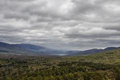 Mirador de Los Robledos (lebeauserge.es) Tags: madrid sierra naturaleza rascafría lago agua cielo nubes montaña