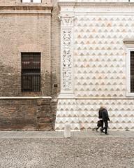 Ferrara-20 (e.berti93) Tags: ferrara architecture architettura art italy brick urban antico monumento castello estense piazza città bike