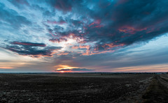 Medicine Hat sunset from Southridge (Iggythump) Tags: medicinehat sigma1020mmf35 nikond500 sunset wideangle landscape southernalberta albertabadlands prairies coulees