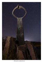 monumento al silbo gomero (yoni103) Tags: canarias canon cielos cielosnocturnos cielosdelapalma cumbres canon5dmarkiv manfrotto nocturnas naturaleza sigma sigma14mm lagomera