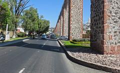 Queretaro2018 229 (Visualística) Tags: santiagodequerétaro querétaro ciudad city stadt urbano urban calle street mx acueducto arcos