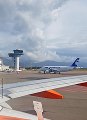 A320-200_AirCorsica_F-HZDP (Ragnarok31) Tags: airbus a320 a320200 air corsica fhzdp bastia aéroport airport control tower tour contrôle montagne nuages