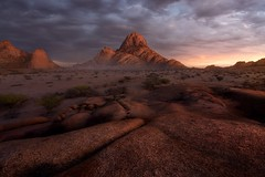 The Giver (Ryan Dyar) Tags: workshop tour granite africa mountains mountain desert sunset sunrise namibia marselvanoosten ryandyar squiver