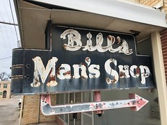 San Angelo, Texas (jericl cat) Tags: sanangelo texas bills mans shop neon sign posessive apostrophe possessive