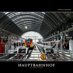 HAUPTBAHNHOF (Matthias Besant) Tags: bahnhof bahnhofshalle hauptbahnhof frankfurt frankfurtammain antik alt sonnenlicht zug reisende personen menschen matthiasbesantphotography matthiasbesant grosstadt stadt verkehr deutschebahn db architektur gebäude