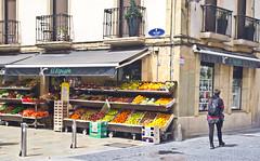 Einladend / Inviting (schreibtnix on'n off) Tags: reisen travelling europa europe spanien haro gebäude building olympuse5 schreibtnix