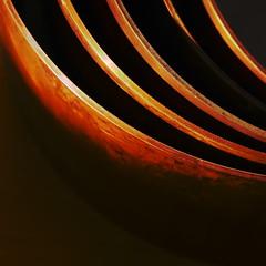C'est dans les vieux pots qu'on fait la meilleure soupe (Le.Patou) Tags: challenge macromondays copper fz1000 casserole cuivre saucepan pan pot kitchen graphique