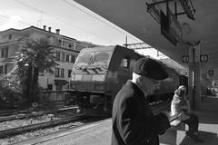 stresa #4 (train_spotting) Tags: stresa lineadelsempione dbcargoitaliasrl lenord ferrovienordmilano nordcargo traxxf140dc e4831075nc bombardier nikond7100