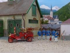 Ford T, 1913 (cosmosminimus, dioramas 1:87 (H0)) Tags: fordt fireengine selfpropelled modell model 187 h0 jordan feuerwehrdiorama firemendiorama dioramabomberos