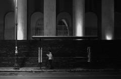Palermo #4 (vmduong-photos) Tags: palermo sicilia italia mezzogiorno nocturne nightwalk busstation éclairage noiretblanc blackwhite bnw horizontal