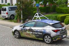 Google Street View 1 in Altefähr (Carl-Ernst Stahnke) Tags: googlestreetview google pkw kamera aufnahmen dorf altefähr