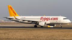 Airbus A320-214(WL) TC-DCA Pegasus (William Musculus) Tags: plane spotting airplane aviation airport flughafen frankfurt am main rhein frankfurtmain fraport fra eddf william musculus tcdca pegasus airbus a320214wl a320200 flypgs pgt pc