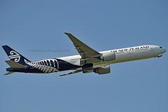 Air New Zealand ZK-OKN Boeing 777-319ER cn/38406-911 @ EGLL / LHR 26-05-2018 (Nabil Molinari Photography) Tags: air new zealand zkokn boeing 777319er cn38406911 egll lhr 26052018