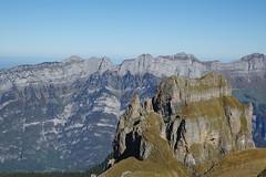 piedras delante de las Churfirsten (Itzlä ° ~~~✈) Tags: flumserberg switzerland alps mountains 2018 itzlä pentaxk1 landscape sky churfirsten