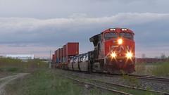 CN 121 West by Saint-Germain-de-Grantham, QC (MaineTrainChaser) Tags: trains train west wetbound cn dpu quebec