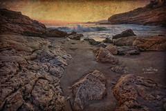 (128/19) Rocas en la cala (Pablo Arias) Tags: pabloarias photoshop ps capturenxd españa photomatix nubes cielo rocas arena mar playa agua mediterráneo llisera almadraba benidorm alicante