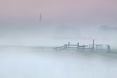 Zouch in the Mist (Julian Barker) Tags: zouch leicestershire nottinghamshire border loughborough river soar mist fog normanton church gate fence shapes dawn sunrise atmosphere spire canon dslr 5d mkii uk great britain europe julian barker