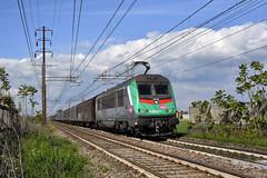 E436 351 Captrain Italia (Maurizio Boi) Tags: sncf captrainitalia captrain e436 cargo treno train zug rail railway railroad eisenbahn locomotiva locomotive italy