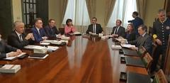 Primera reunión de la Mesa del Senado de la XIII Legislatura, con Pío García Escudero y Rafael Hernando como representantes del Partido Popular