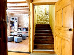 Subida Escalera (brujulea) Tags: brujulea casas rurales tubilla del lago burgos casa rural subida escalera
