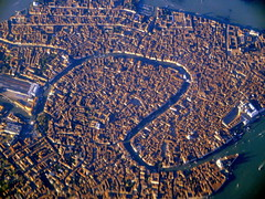 Zoomed in (oobwoodman) Tags: aerial aerien luftaufnahme luftphoto luftbild italy italia italie italien venice venezia venedig venise dxbgva stmarkssquare dogespalace campanile sanmarco doge grandcanal piazzasanmarco canalgrande