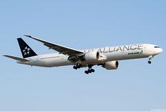 B-16715 (Andras Regos) Tags: aviation aircraft plane fly airport lhr egll heathrow approach landing eva evaair staralliance boeing 777 b77w 777300er speciallivery